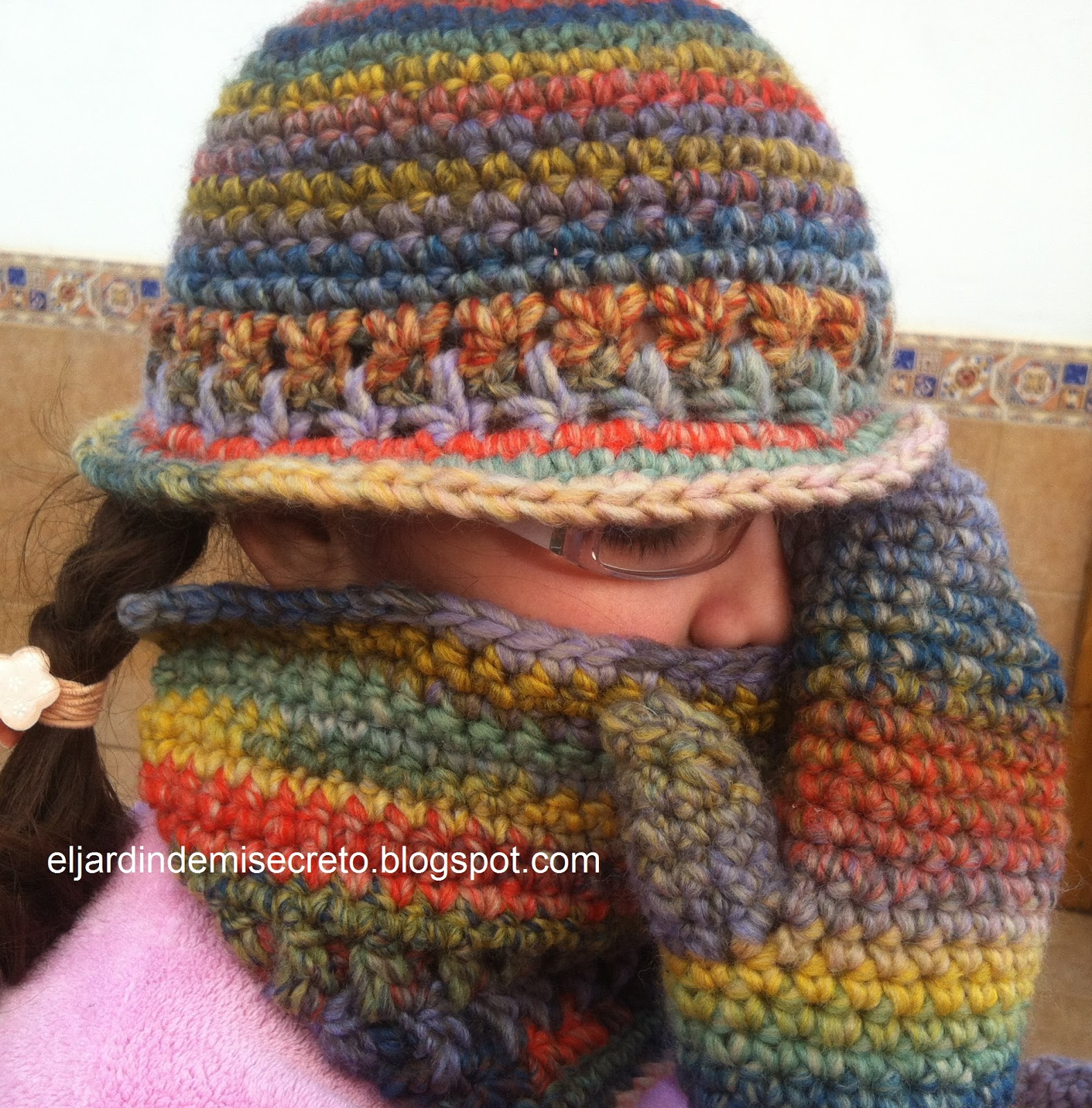 Gorro, cuello y manoplas de ganchillo para mi princesa.(Crocheted ...
